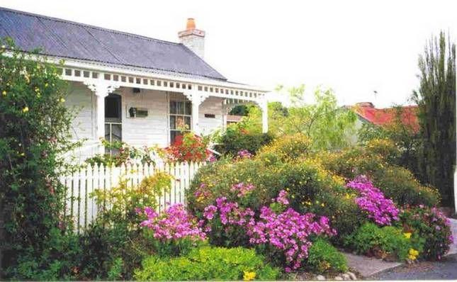 Akaroa Cottage   Daylesford, VIC   Accommodation