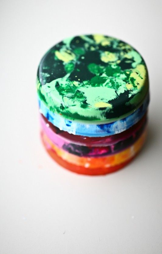 DIY marbled crayons using recycled/broken crayon bits, great idea!!