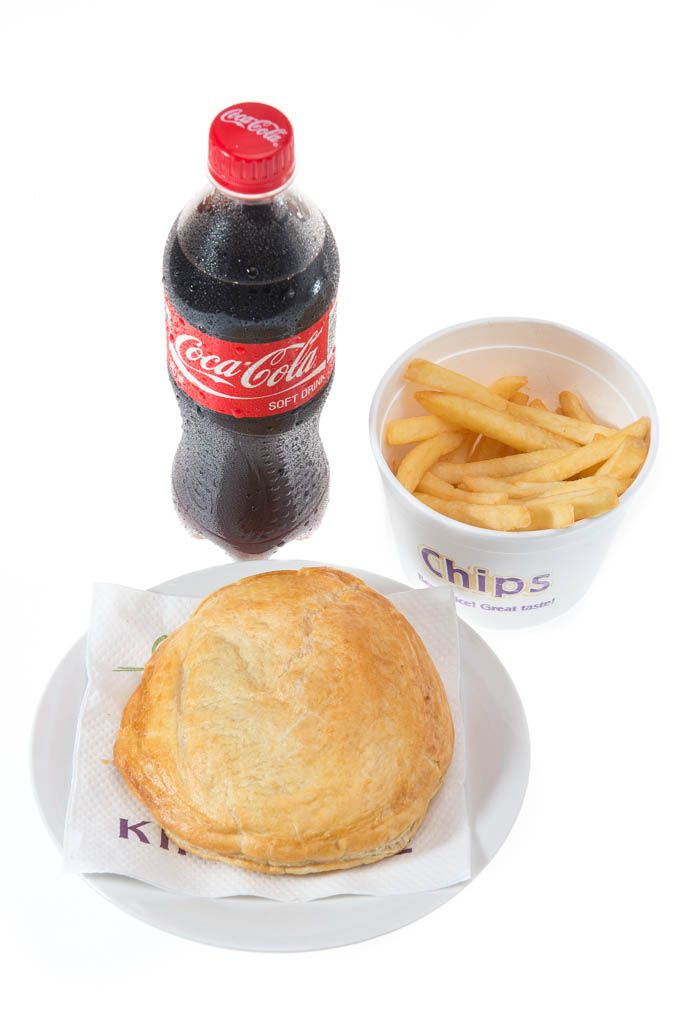 Any Double Filla / Royal Surpreme pie with large chips and buddy for R33. King Pie - 014 537 2726