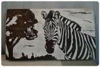 Zebra op steigerhout. Fotokopie met aceton op hout getransformeerd. Daarna met markers bewerkt.