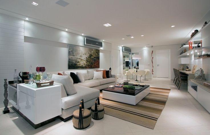 decorado pela designer de interiores Jóia Bergamo ganhou uma sala de
