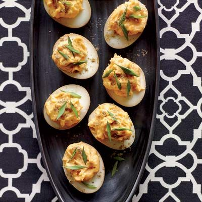 Sriracha-and-Wasabi Deviled Eggs #foodfusion #spicy #fingerfood