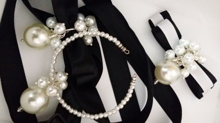 bracelet, necklace, brooch. Ribbon and pearls