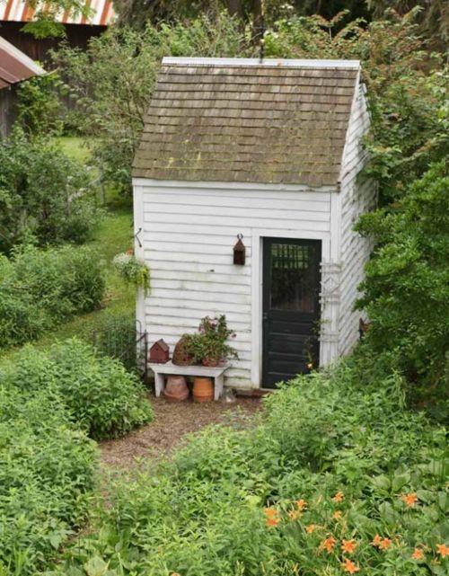 tiny garden studio: Garden Sheds, Garden Ideas, Garden Design, Potting Sheds, Gardens, Gardening, Small Shed