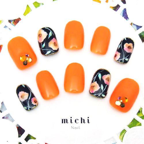 アートフラワーのオレンジカラーネイル - ネイルチップ(つけ爪)専門店ミチネイル