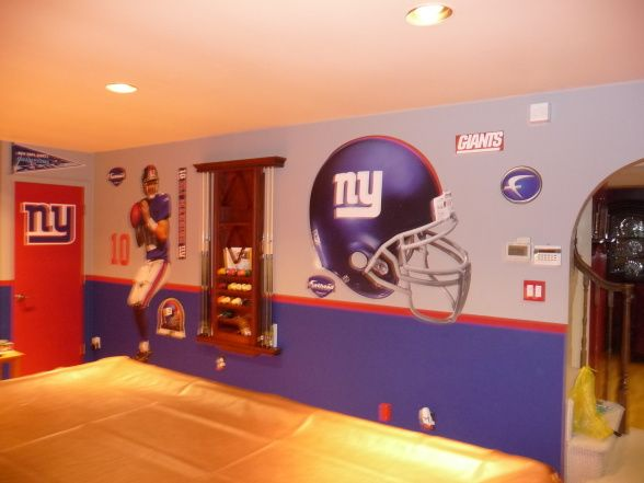 NY Giants theme game room Painting the hubbys man cave