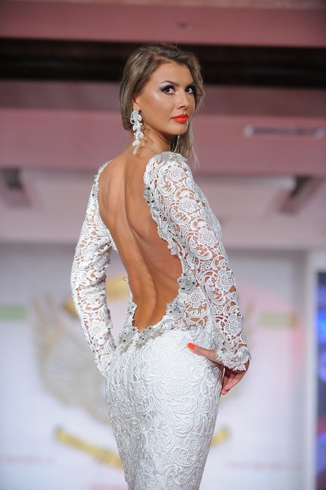 Laura Olteanu - Bucharest Fashion Week 2012