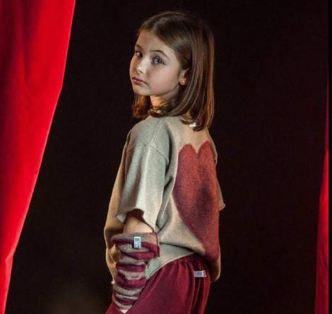 Un cuore speciale per il maglione Cucùlab, in saldo da Cocochic  http://www.cocochic.it/it/bambina/1033-maglione-in-lana-con-cuore.html