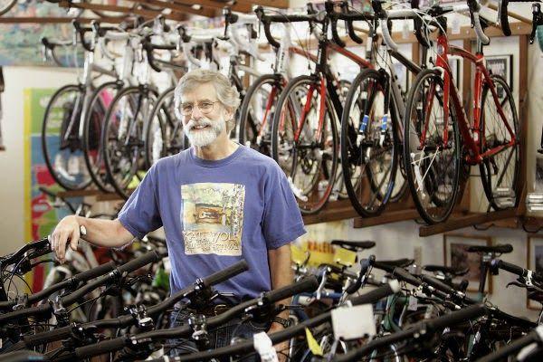 Sepedapancal.com - Sepeda merupakan salah satu alternatif kendaran yang dapat digunakan untuk keperluan sehari-hari seperti berangkat sekolah, bike to work atau ke tempat-tempat lainnya. Salah satu sepeda yang cukup terkenal di Indonesia bahkan di luar negeri adalah sepeda merk Polygon.