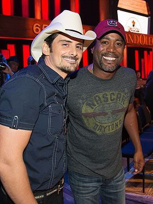Brad Paisley Surprises Darius Rucker – with Grand Ole Opry Honor #BradPaisley #GrandOleOpry