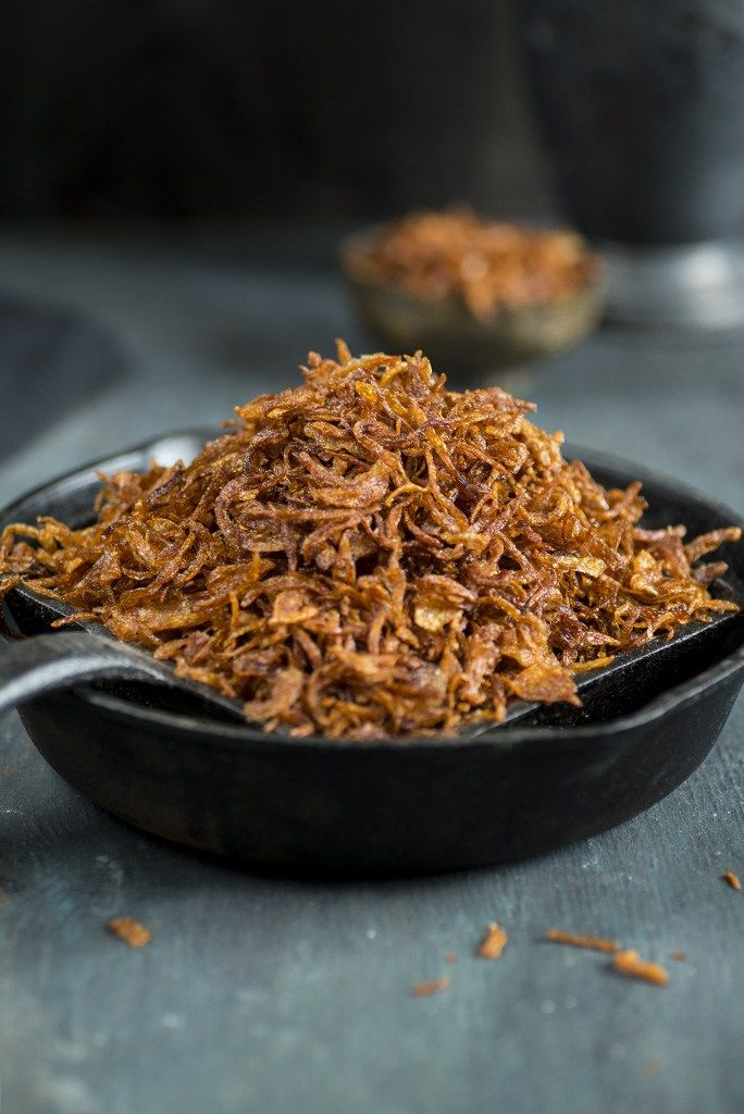 Tips and tricks to Make Perfect Birista or crispy golden fried onions at home. Store it and use in your curries or sprinkle on your rice or dal.