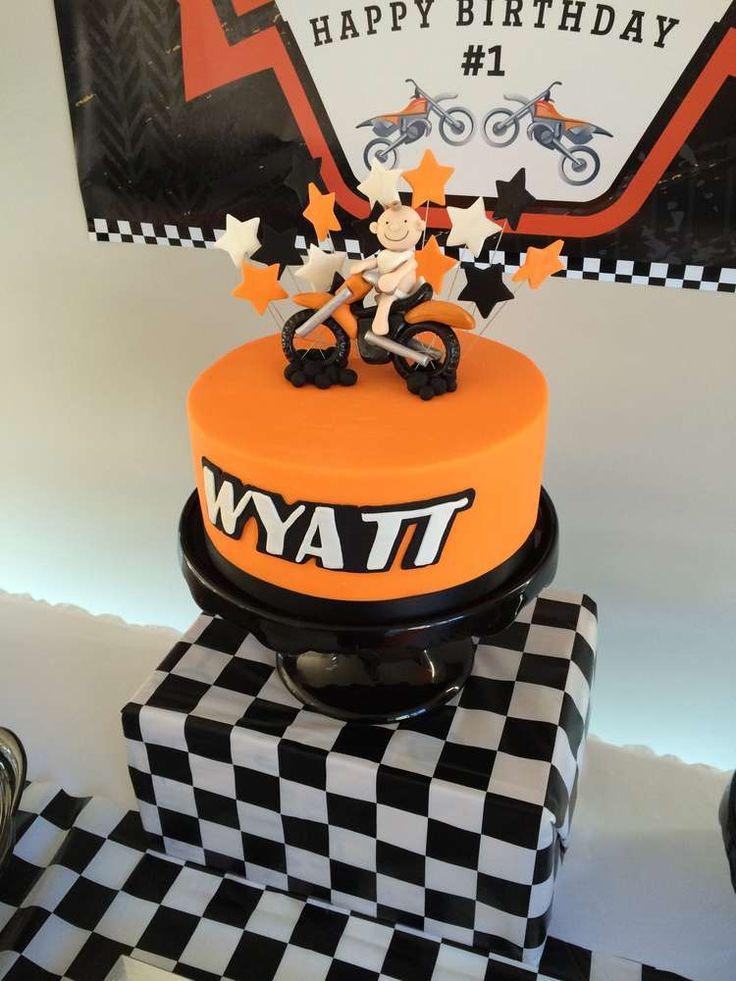 Best 25 Motorcycle Birthday Cakes Ideas On Pinterest