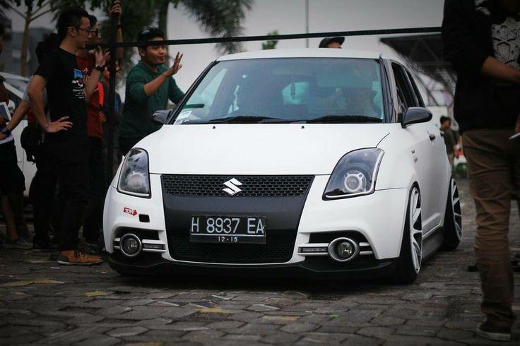 Suzuki Swift – 197 фотографий