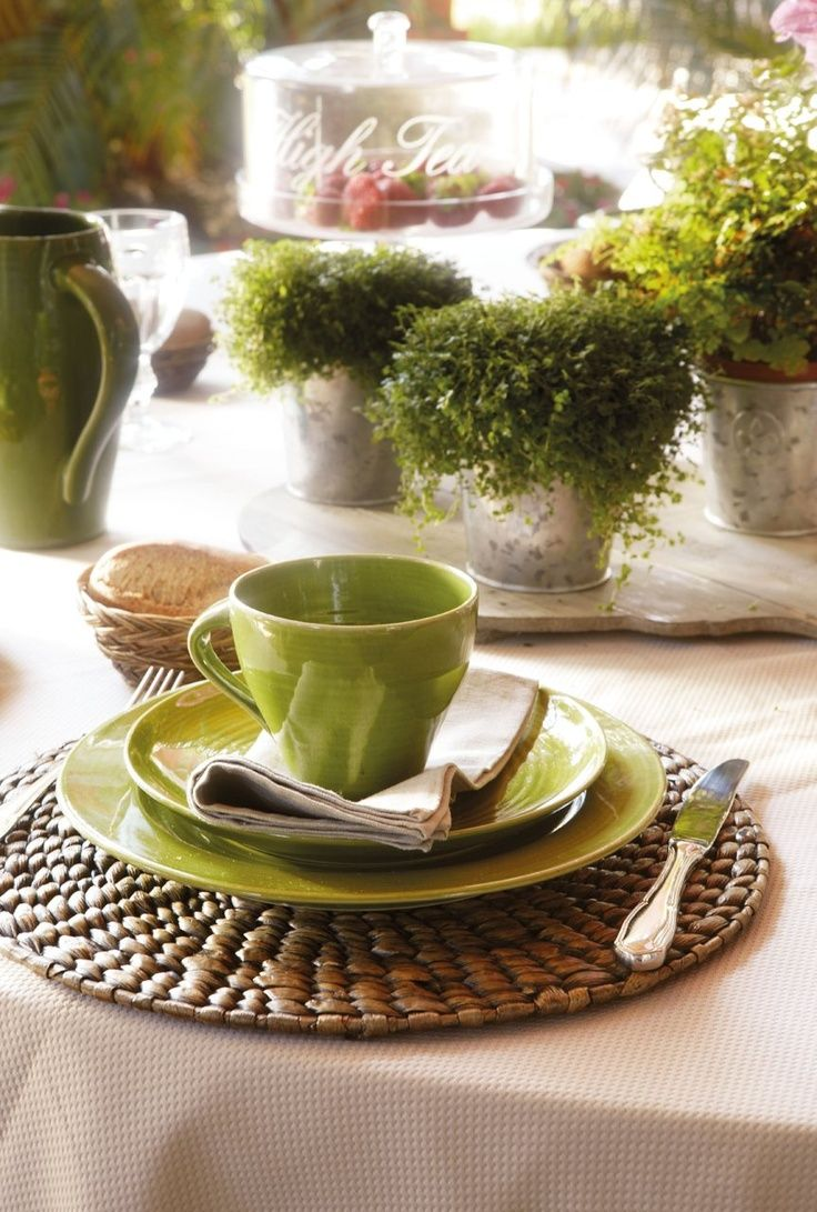 35 best table dressing images on pinterest place for Dining table dressing ideas
