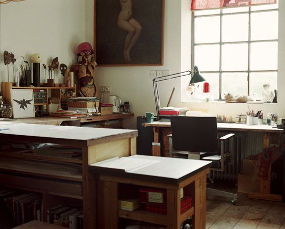 Workspace photographed by Nichole Bachmann. (via Anthology Magazine)
