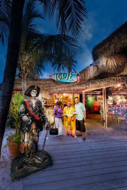 Bolongo Bay Beach Resort, St. Thomas, USVI, All Inclusive Resort, Caribbean Vacation, Pirates, Iggies Beach Bar, Nightlife, St. Thomas Entertainment