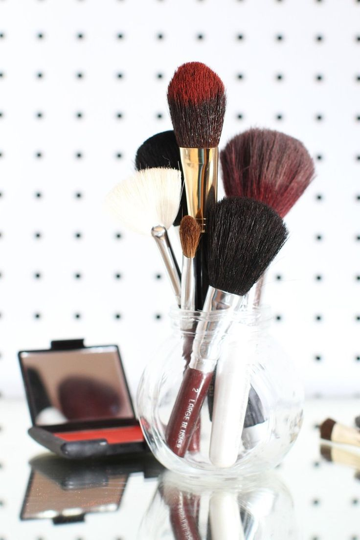 How To Clean Makeup Brushes — Apartment Therapy Tutorials