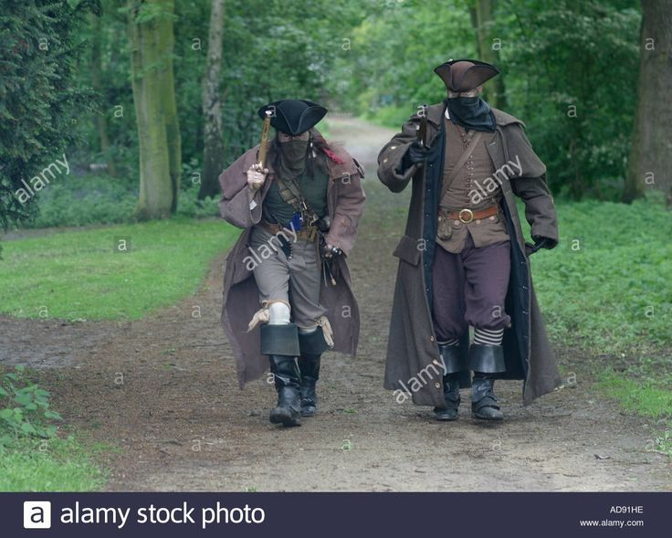 stand-and-deliver-18th-century-highwaymen-re-enactors-at-rufford-abbey-AD91HE.jpg (1300×1042)