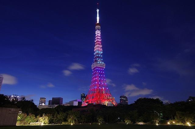 Tokyo tower light-up