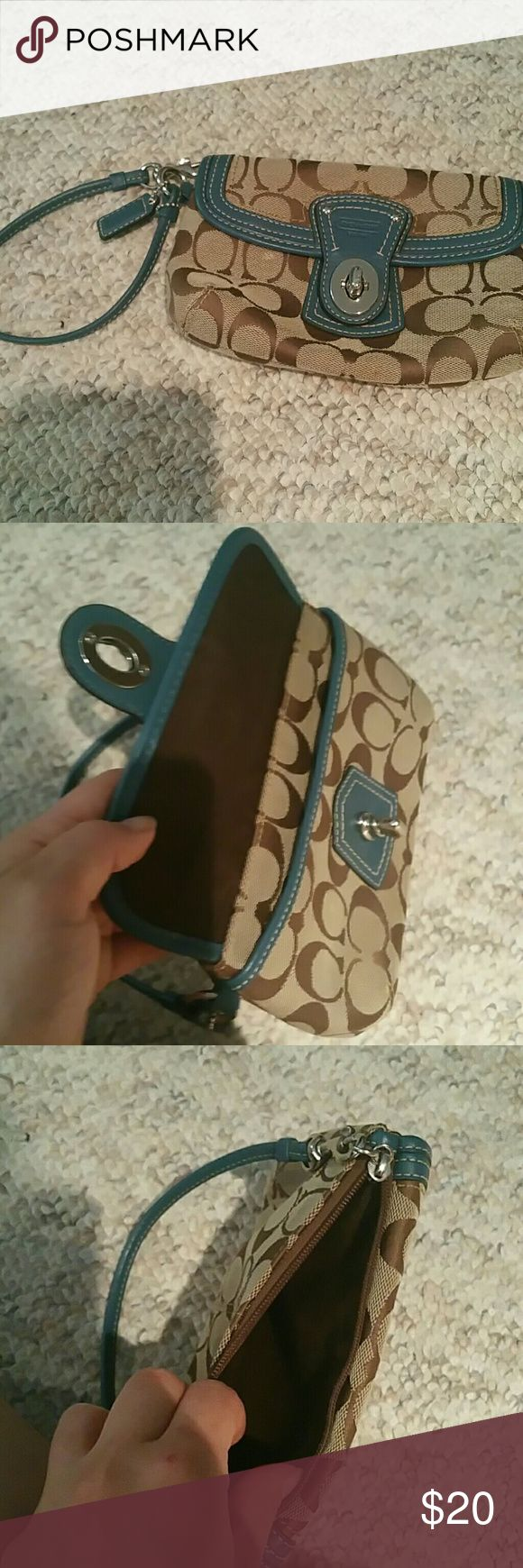 Coach clutch Barely used coach clutch Coach Bags Clutches & Wristlets