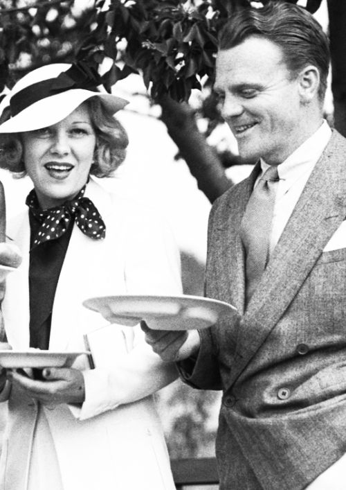 Glenda Farrell and James Cagney attend a barbecue, 1935