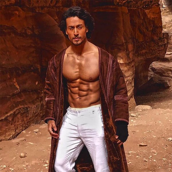 Tiger Shroff looks smokin' hot in this new pic from the sets of Munna Michael #FansnStars