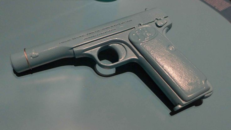 Replik Attentats-Pistole