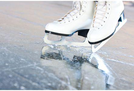 Patin à glace : quelles précautions pour votre enfant ?