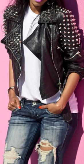 LOVE THIS !!!  My absolute favorite look, leather jacket ,tee, and ripped jeans !!!!