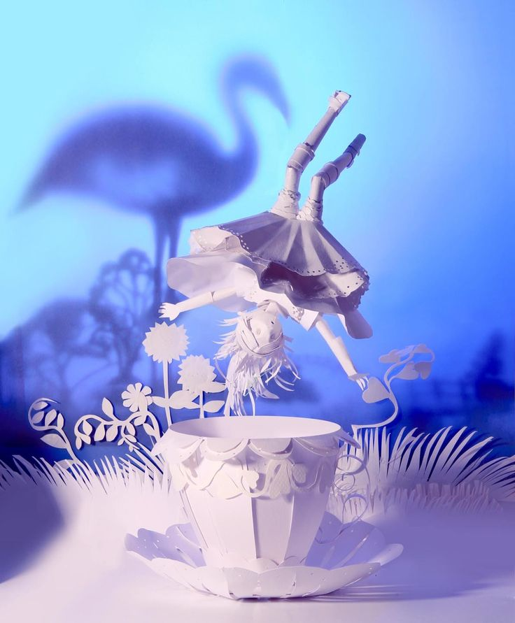 alice in wonderland paper sculpture on Behance