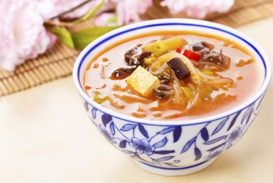 Soupe pékinoise (vinaigrée piquante sans excès)