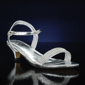 1000  images about 2 inch wedding shoes on Pinterest | Beaded foot