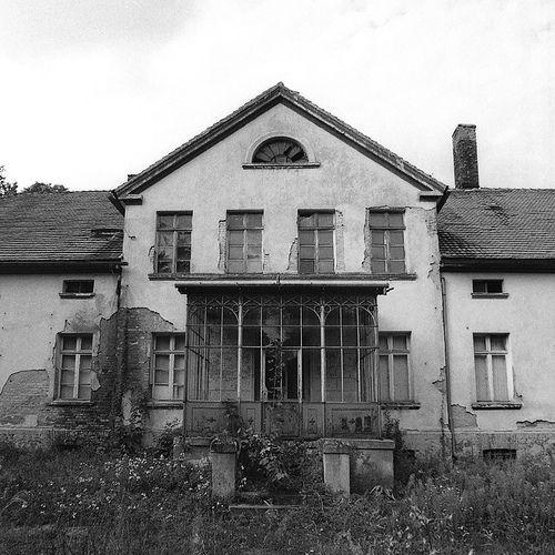 Raczynski family manor