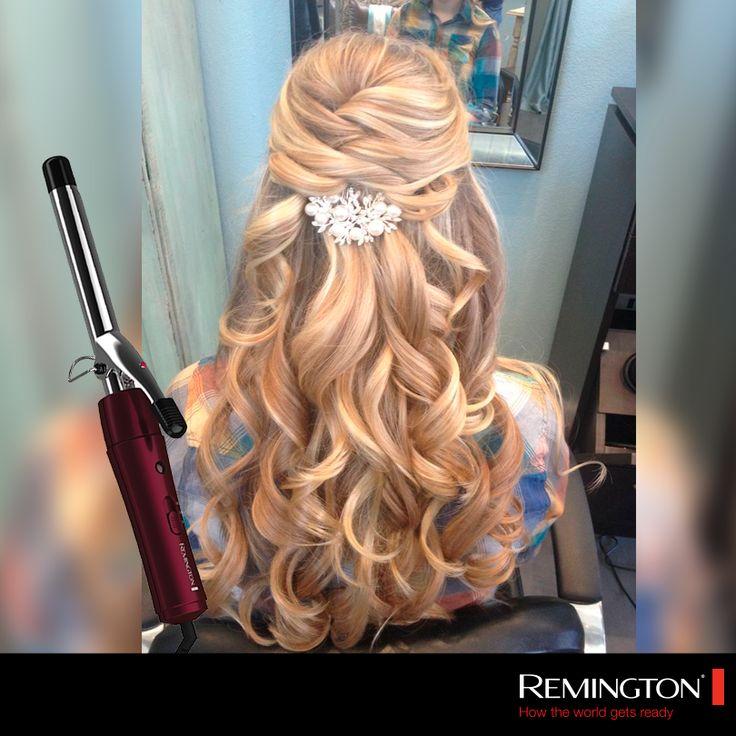 Riza tu cabello previamente con el estilizador  Chrome Curls y después elabora este medio recogido #hair #hairstyle #curlyhair #fashion #beautiful #girl #chic