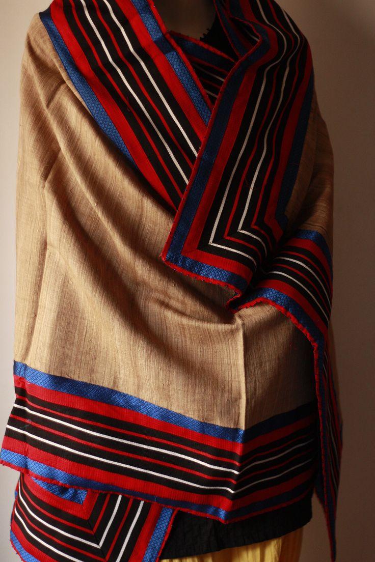 Eri silk is made by Samia cynthia ricini which feed on ...
