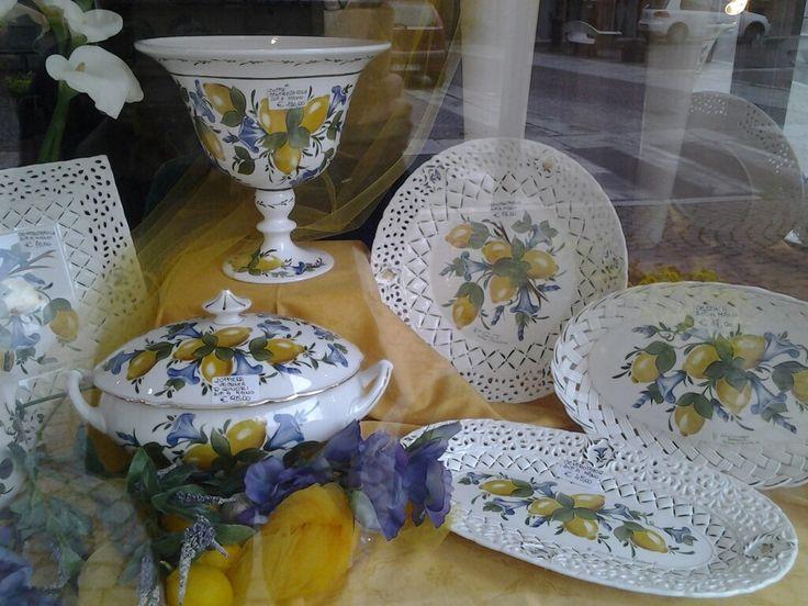 Porcellane e ceramiche dipinte a mano