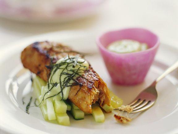 Gebratener Thunfisch mit Gurken ist ein Rezept mit frischen Zutaten aus der Kategorie Meerwasserfisch. Probieren Sie dieses und weitere Rezepte von EAT SMARTER!