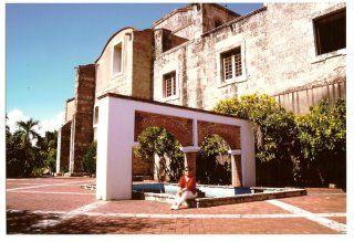 Repubblica Dominicana - santo Domingo - La fontana di Maria Di Toledo - dicembre 1994
