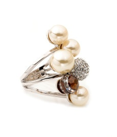 Uptown Pearl Ring - Henri Bendel .. If only I could afford this.