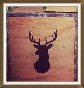 Stags Head tea chest. Divine.  #BarleycornVintageStencils  #StagsHead #PaintingWithStencils