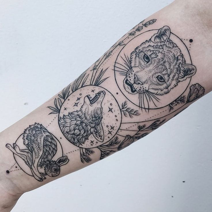 Large Cross-Body Tattoos Celebrate the Delicate and Dangerous Parts of Nature