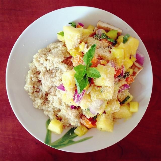 レシピとお料理がひらめくSnapDish - 17件のもぐもぐ - Coconut quinoa, grilled tofu and spicy pineapple salsa with roasted shredded coconut and mint by Rianne
