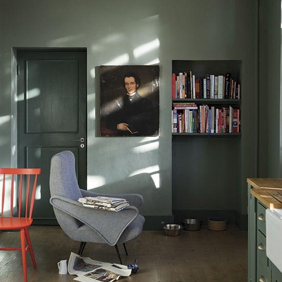 Dark Green rooms by farrow and ball Create - Green smoke on woodwork - Castle gray on walls