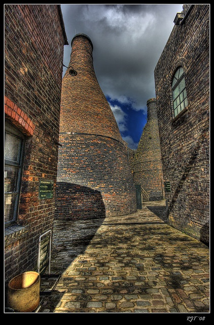 """The Gladstone Pottery Museum is a working museum of a medium sized pottery, typical of those once common in the North Staffordshire area of England from the time of the industrial revolution in the 18th century. Stoke-on-Trent, Staffordshire, UK http://advertiseyourbizonline.com Fill Your Autoresponder everytime with the 'Full Meal Deal"""" Social Media Marketing Package. brought to you by http://www.bootcampmedia.co.uk/services/web-design/"""