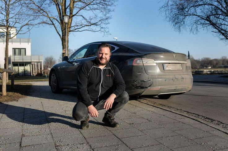 Good Guy Elon Musk fixes hero's Tesla Model S for free     - Roadshow  Enlarge Image  Thatll buff right out. Seriously. Its not that bad.                                                      Süddeutsche Zeitung                                                  Elon Musk is far from one of those hands-off CEO types. In a shrewd PR move the owner of Tesla took to Twitter to cover the repair costs for a Model S used in a rather heroic way.  Yesterday in Germany a man used his Tesla Model S to…