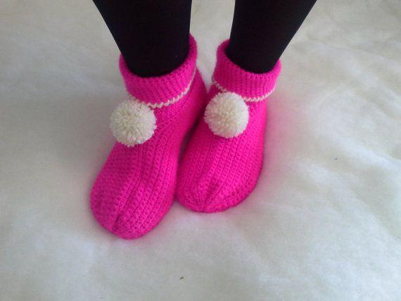 Simple crochet slippers  Allegre pantofole di lana di Acasaconmanu