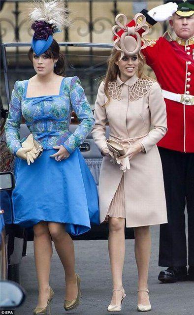 Одними из самых скандальных родственниц королевы можно назвать ее внучек, дочерей герцога Йоркского Эндрю, Беатрис и Юджинию. Сара Фергюсон и принц Эндрю, являющийся вторым сыном королевы Елизаветы II, развелись в 1996 году, но и после разрыва  оставались  друзьями.