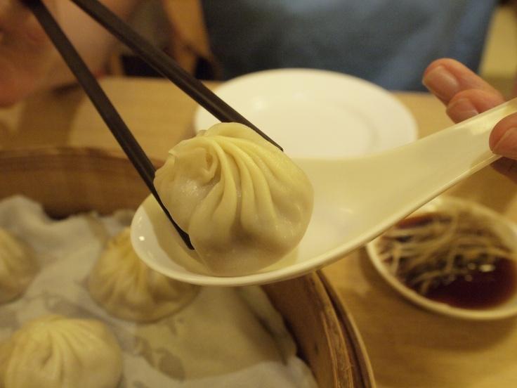 Shanghai dumpling.  鼎泰豐 Original Shop, Taipei.
