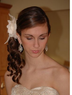 Wedding Side Half Updo Hairstyle With Floran Hair ClipPNG