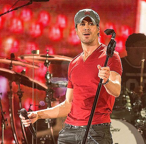 Enrique Iglesias Getting Hand Surgery After Bloody Drone Injury: Details